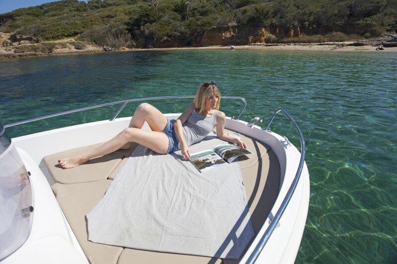 boat-4-7cc_exterieur_2014051510394344
