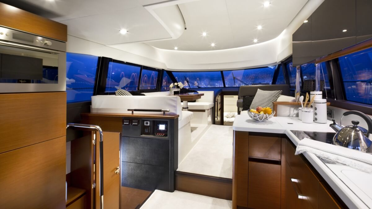 luxury-yachts-prestige_450_13660356717int_gallery