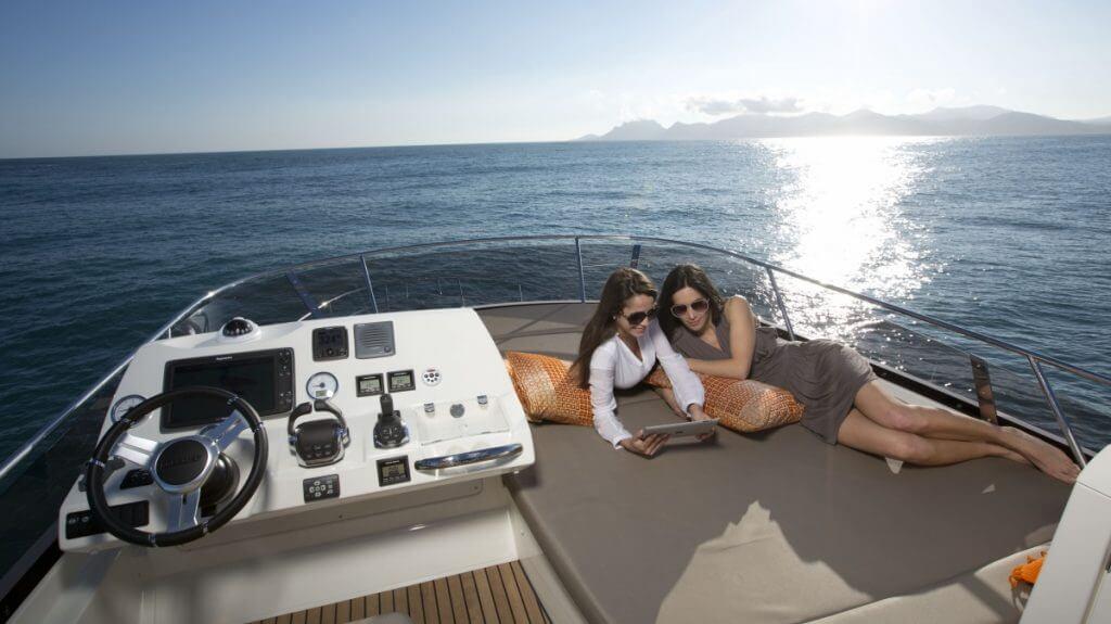 luxury-yachts-prestige_450_13745735405art_gallery