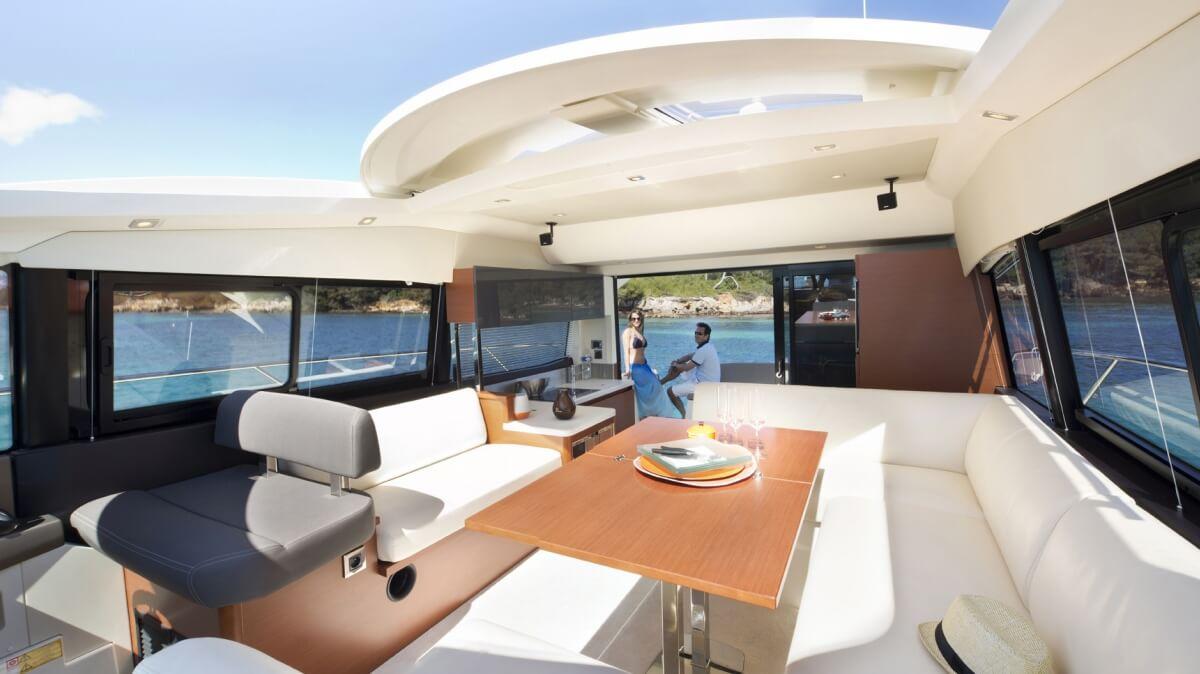 luxury-yachts-prestige_450_s_137457227214art_gallery