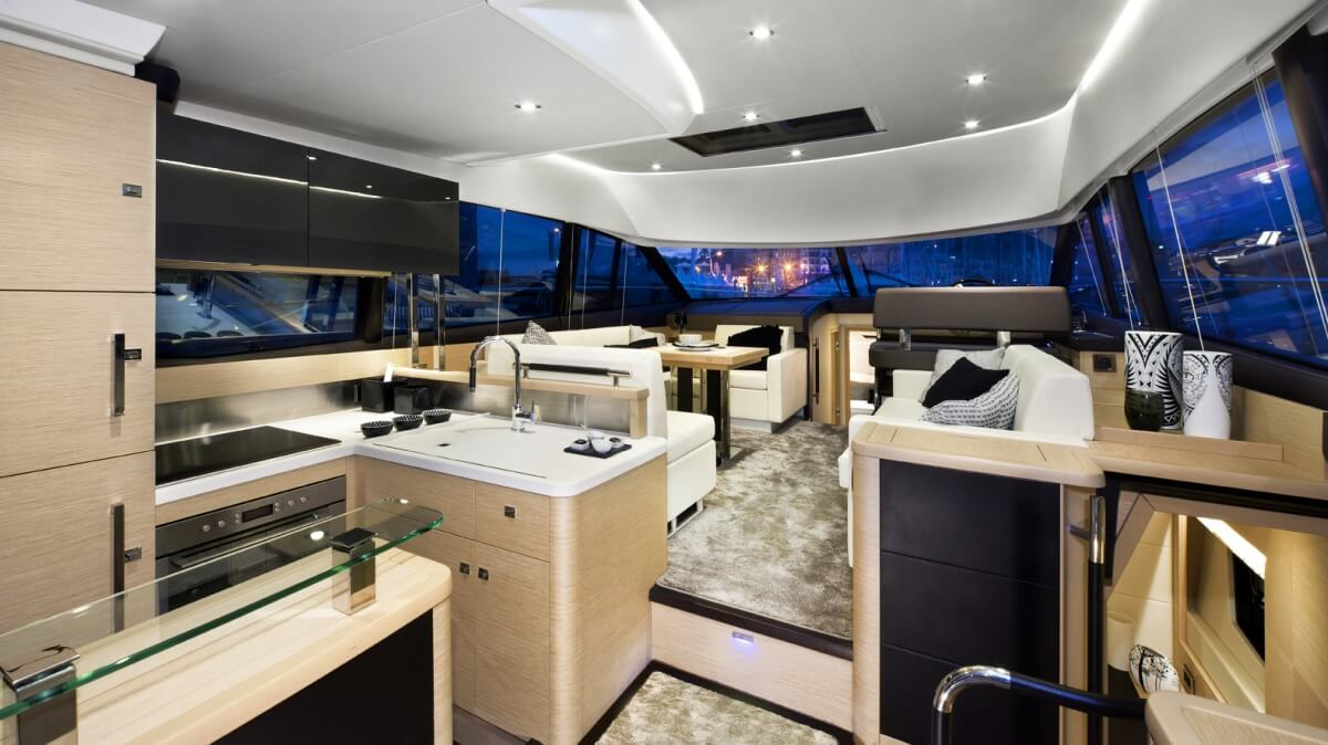 luxury-yachts-prestige_500_14139735242int_gallery
