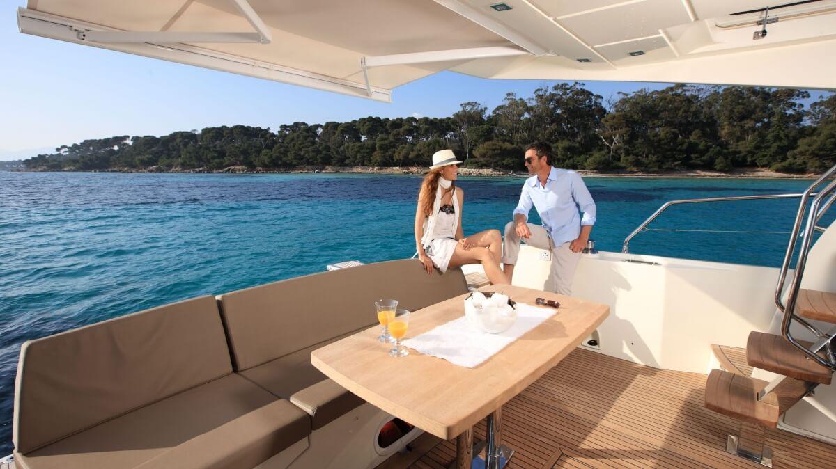 luxury-yachts-prestige_550_133345845623art_gallery