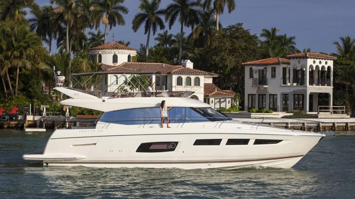luxury-yachts-prestige_550_137465203823ext_gallery