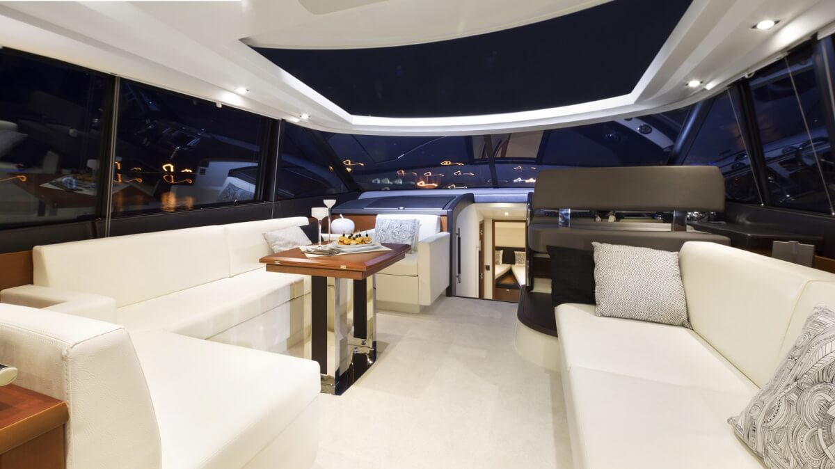 luxury-yachts-prestige_550_s_136603714216int_gallery