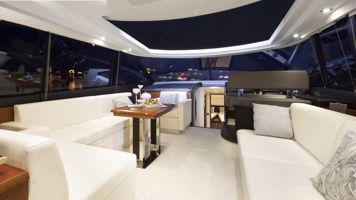 luxury-yachts-prestige_550_s_136603714216int_gallery
