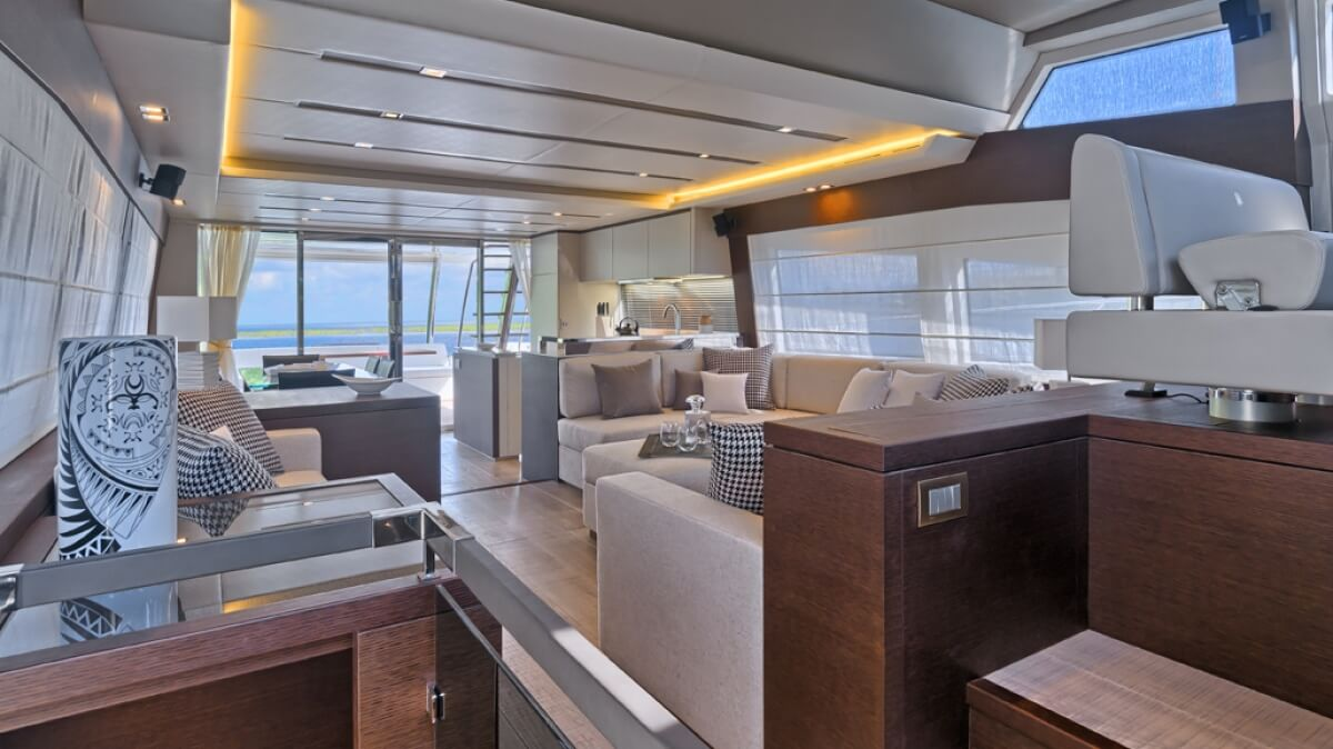luxury-yachts-prestige_750_14090606743int_gallery